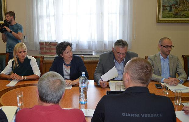 Sastanak u Vladi 3