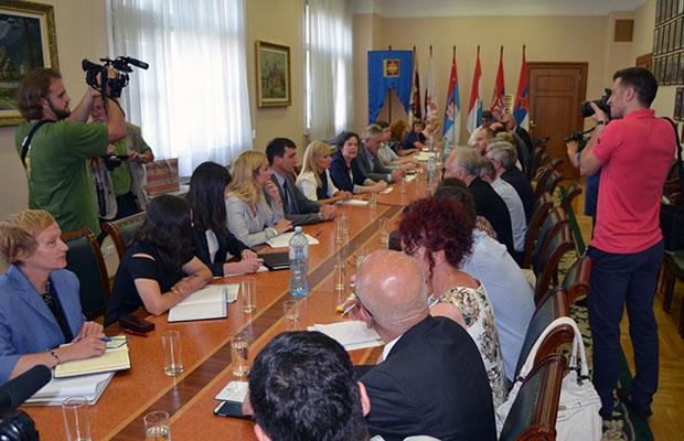 Sastanak u Vladi 4
